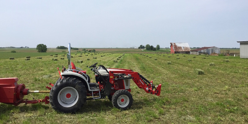 SEAT TIME - First cut baled with Boomer 8N, NH 273